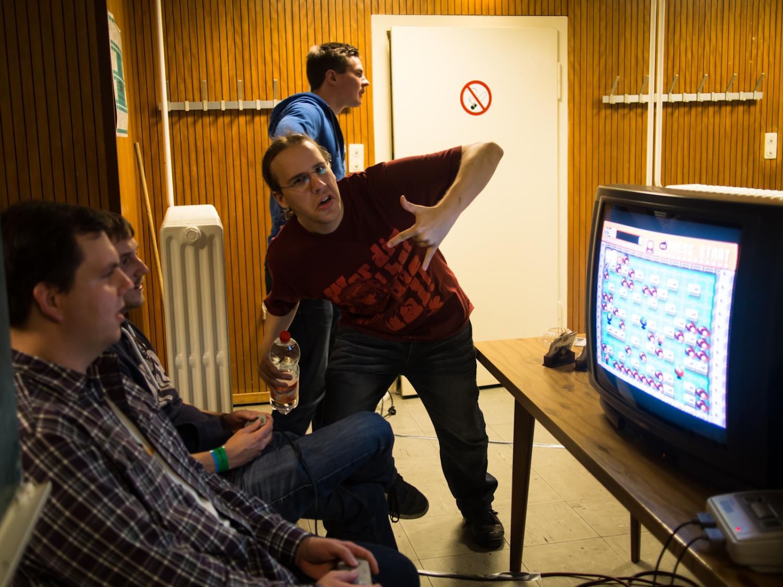wiemaikai_2013_gamesroom_zappy019