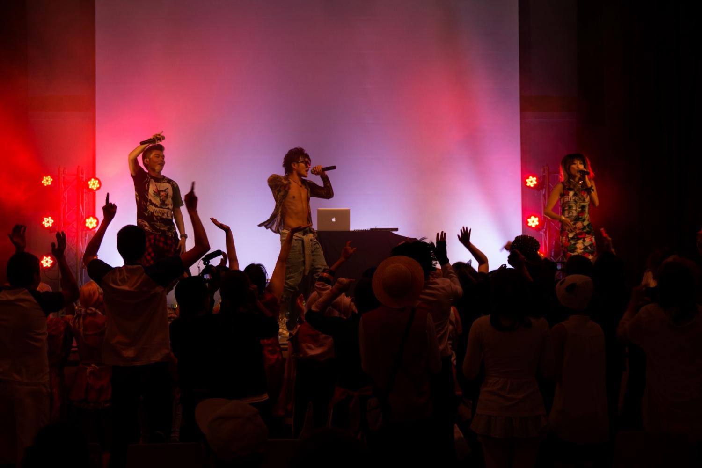 021_WieMAIKAI_2015_SAGA_Unite_the_world_tour